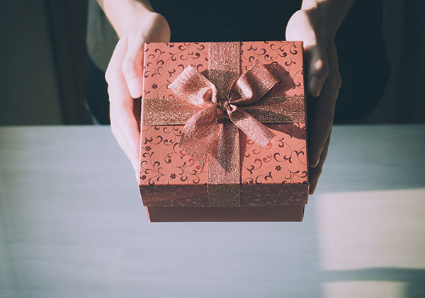 BWB Ruhlin | Giving Gifts In Business
